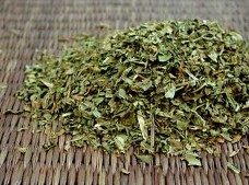 Peppermint Leaf is one of the world's best known flavours.  Peppermint Tea is the most popular usage of this fresh and fragrant non-irradiated organic herb available at Organic Teas Canada.